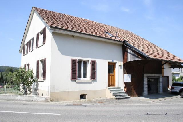 Ehemaliges Bauernhaus mit viel Platz und Potenzial 25532064