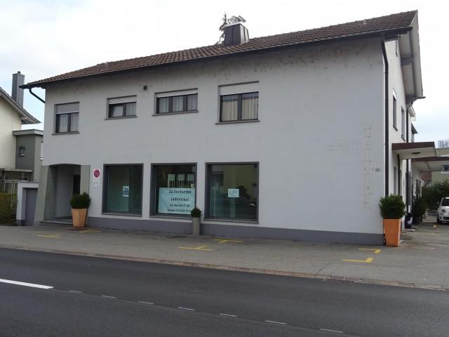Ladenlokal an Hauptstrasse mit 2 grossen Schaufenster 26707316