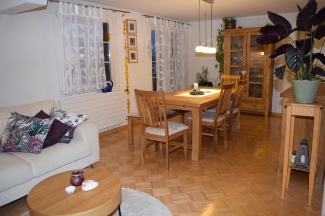 Gemütliche 31/2-Zimmer Dachwohnung in Ennetbürgen 27513715