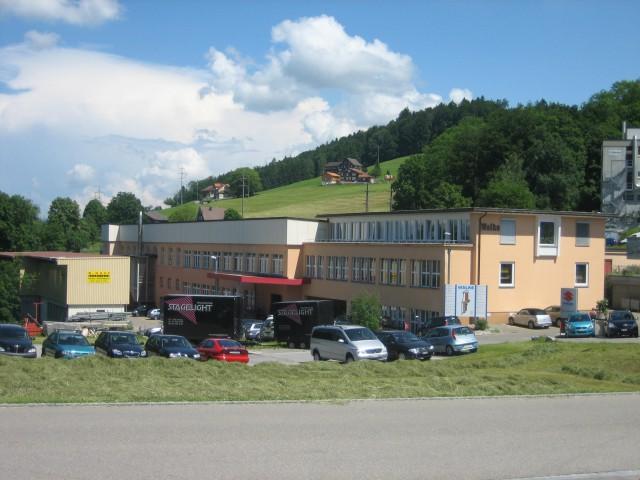Attraktive Gewerbehalle mit Deckenkran - ebenerdige Zufahrt 19668992