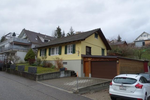 Einfamilienhaus mit viel Umschwung und noch mehr Potenzial 27473767