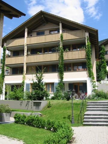 Charmante 4 1/2-Zimmerwohnung mit grossem Balkon und Gartens 31388624