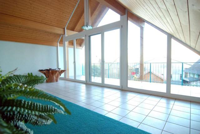 3.5 Zimmer Dachwohnung mit Seesicht, idyllische, ruhige Lage 33276798