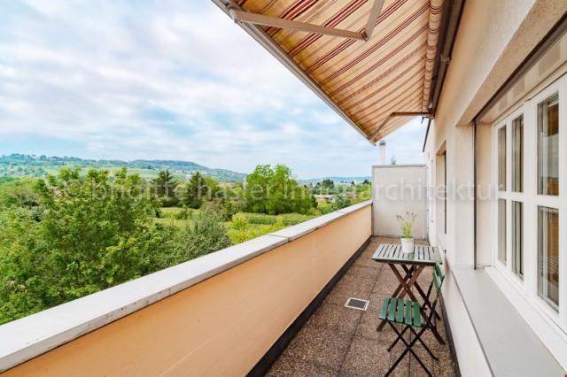 2.5-Zi-Wohnung (DG) mit 2 Balkonen an ruhiger, sonniger Auss 30935858