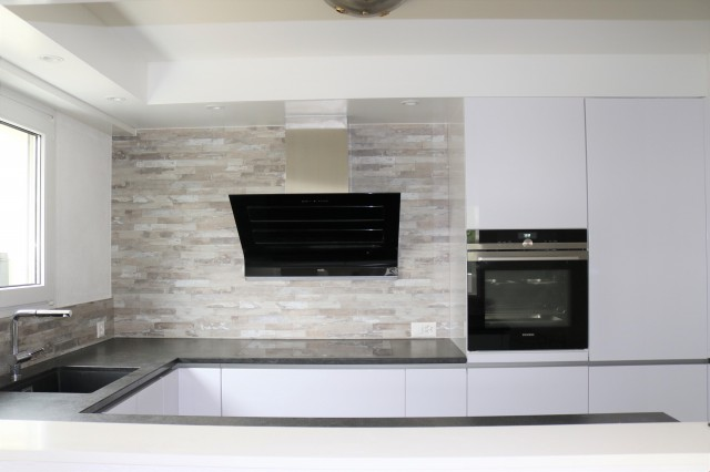 Renovierte Wohnung an zentraler Lage in Oberwil 26358001