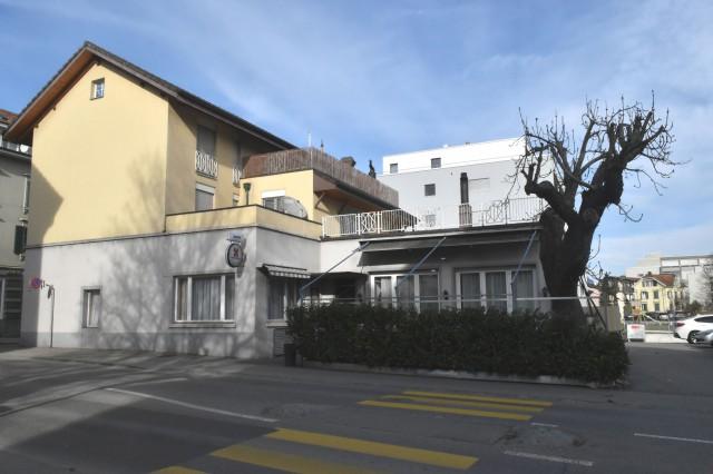 Restaurant pizzeria avec 3 appartements 18479066