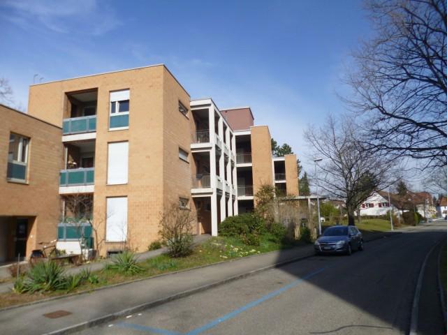 Geräumige IV- Zweizimmerwohnung in ruhiger Siedlung 19700532