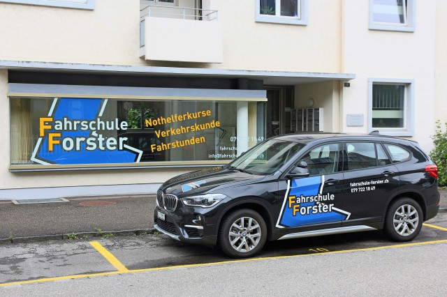 Ladenlokal mit grossem Schaufenster an der Gartenstadt Münch 31519715