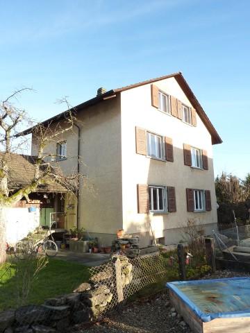 Günstige, gemütliche Dachwohnung mit Sicht auf Alpen 31773032