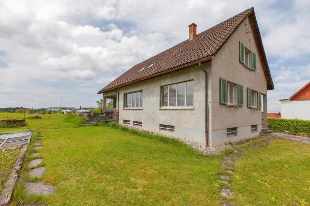 Sanierungsbedürftiges EFH mit viel Umschwung (1'732 m², Rese 20409236