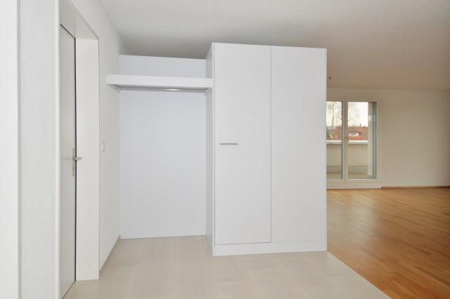 Eingang mit Garderobe und Einbauschrank