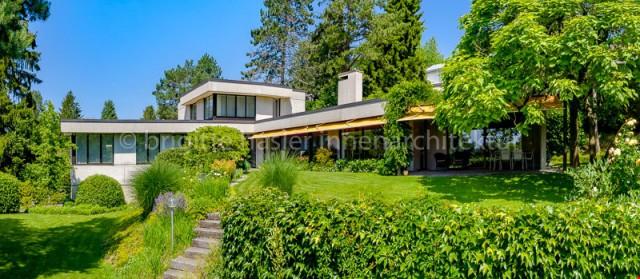 Totalsanierte Villa mit Pool an bevorzugter Wohn- und Aussic 30391679