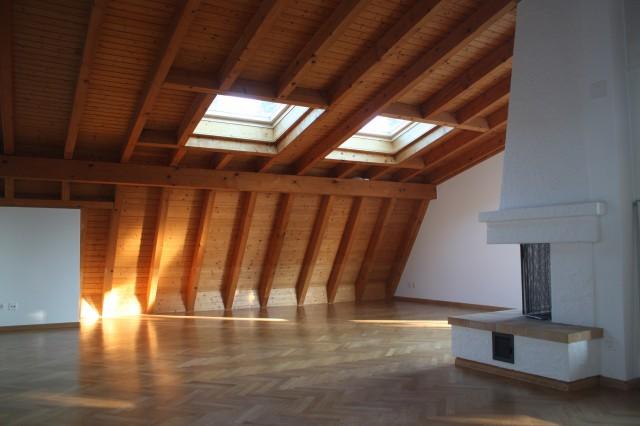 4.5 Zi Dachwohnung mit separatem Studio in Arlesheim 21637780