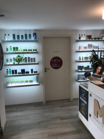 Beauty Salon 22584229