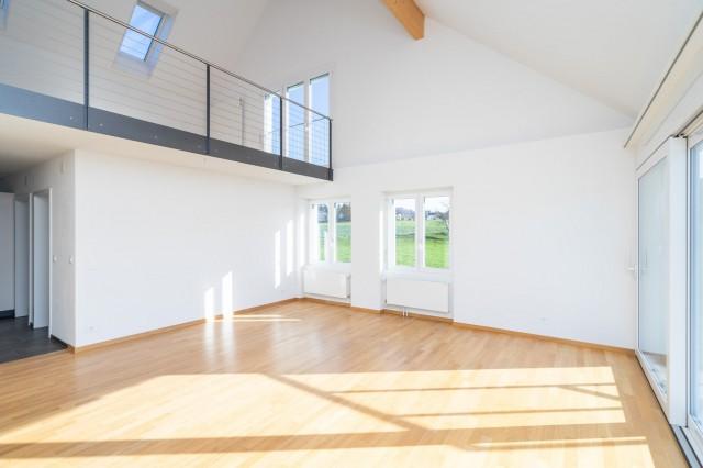 Wunderschöne, grosszügige Dachwohnung mit Galerie und Blick  31518151