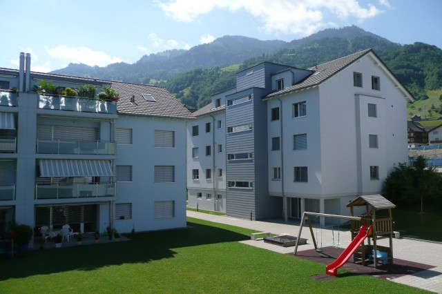 Einstellhallenplatz in Beckenried 31443920