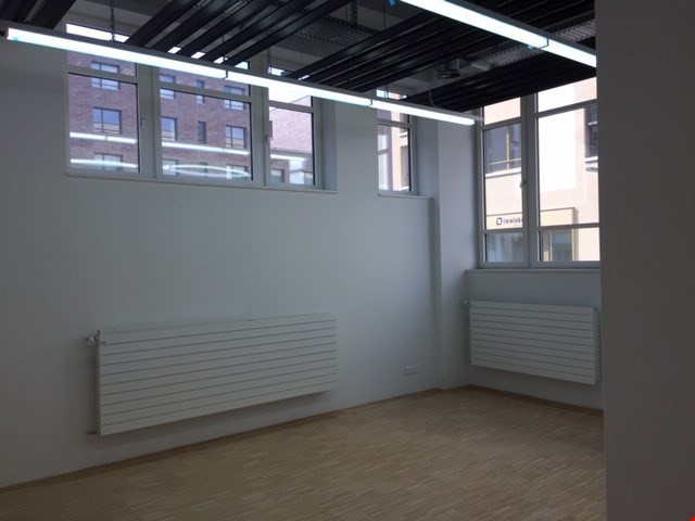 Büroräume: neu, klimatisiert und mit Infrastruktur 30752408