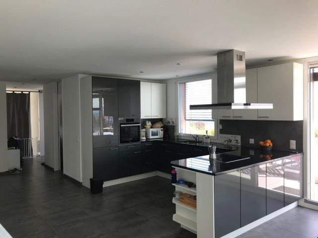 «Attikawohnung Mit Alpensicht / Penthouse avec vue sur les a 25510092
