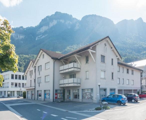 grosszügige Wohnung im Dorfzentrum, Nähe Schule & Läden 31447593