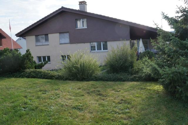 Einfamilienhaus mit grossem Garten 21277658