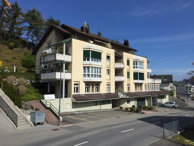 Wohn-/Geschäftshaus mit Seesicht 24023125
