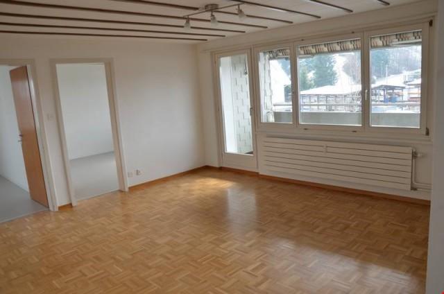 Günstige 4-Zimmerwohnung an schöner Lage am Bach 21226811