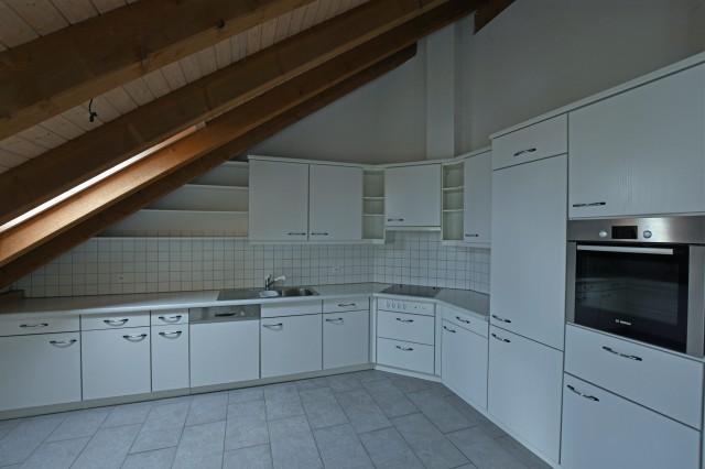 Geräumige 5.5 Zimmer-Dachwohnung in Seenähe! 25461713