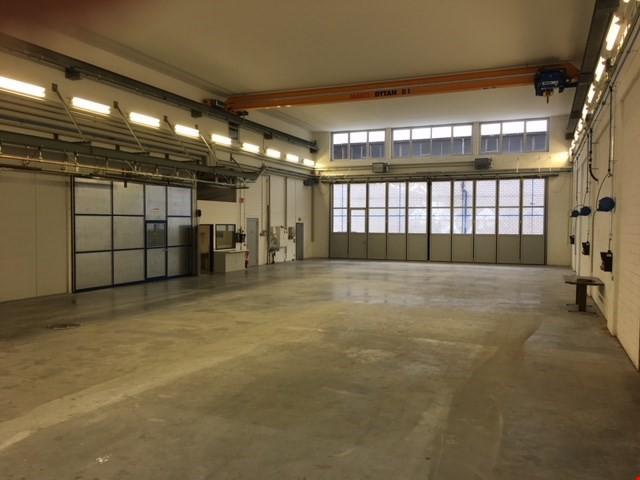 Gewerbehalle für einen Werkstatt-, Produktions- oder Logisti 22824042