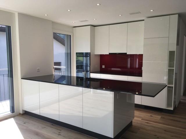 Neue Wohnung mit Wohnmobilgarage 32304179
