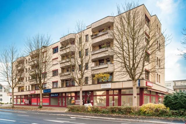 Zentraler Einstellplatz in Reinach zu vermieten 27945823