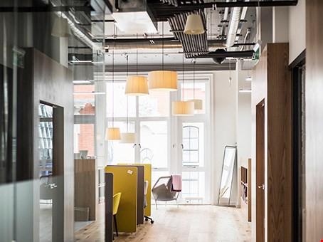 Sie suchen nach Büroräumen für Ihr Unternehmer- und Kreativt 27850843