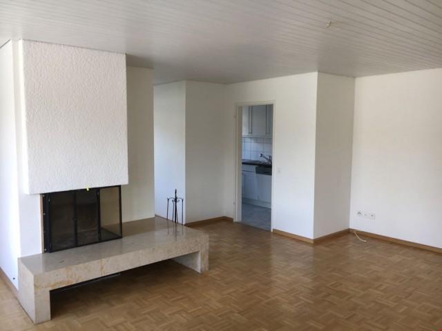 3.5-Zimmerwohnung mit grosser Dachterrasse (85 m2), sonnige  21610179
