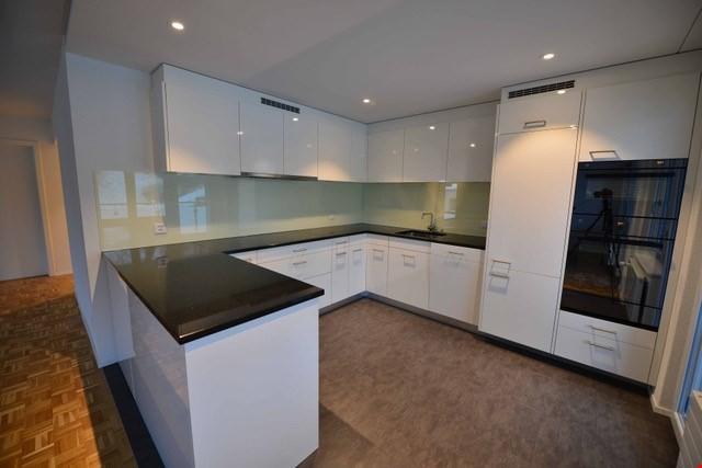 Schöne renovierte 4,5-Zimmerwohnung an ruhiger und sonniger  32369850