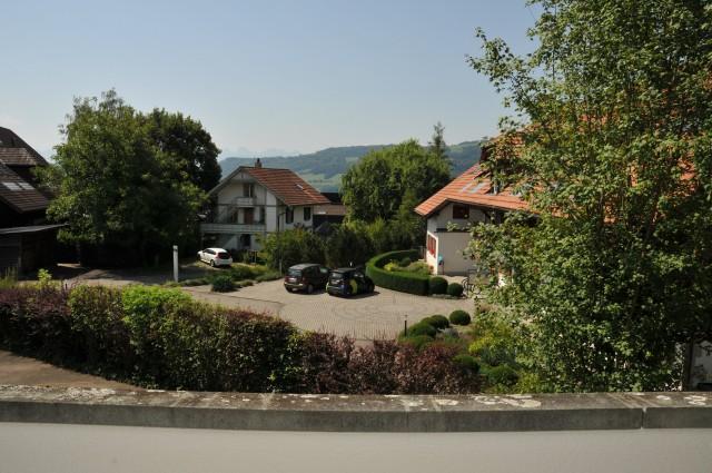 2 1/2-Zimmerwohnung mit grossem Balkon und schöner Aussicht 31849079