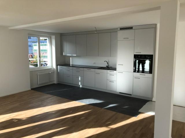 neuwertige 2 1/2 Zimmer-Wohnungen im Herzen von Köniz 31647399