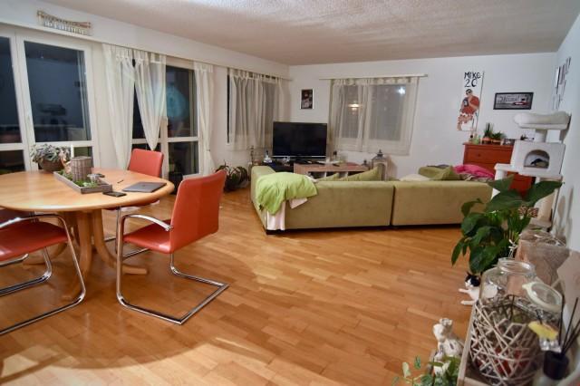 Grosszügige 4.5 Zimmerwohnung mit Balkon per sofort 21624487