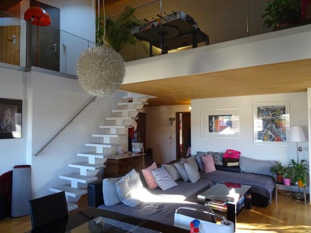 Galerie-Wohnung mit Cheminée und 2 Balkone 32356164
