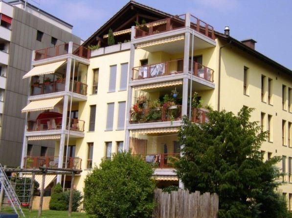 Grosszügige, helle 4,5 Zi-Wohnung mit Sitzplatz 26293477