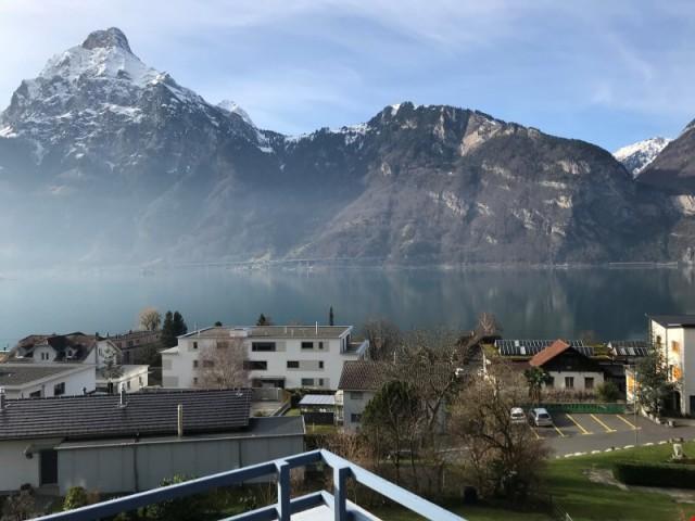 3.5-Zimmer-Attikawohnung mit sehr schöner See- und Bergsicht 22711492