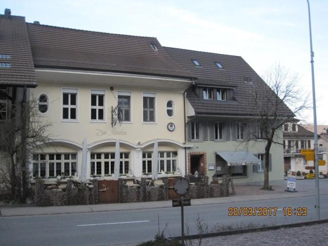 Restaurant / Hotel mit Ladenlokal und Wohnungen 25921901