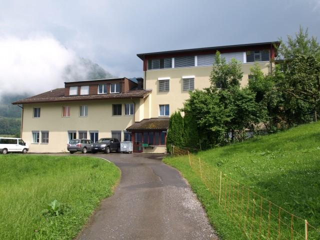 Repräsentatives Schul- und Internatsgebäude in idyllischer L 20768300