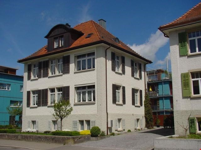 Zentral gelegene, ruhige Wohnung mit Charme in einem Zweifam 30276663