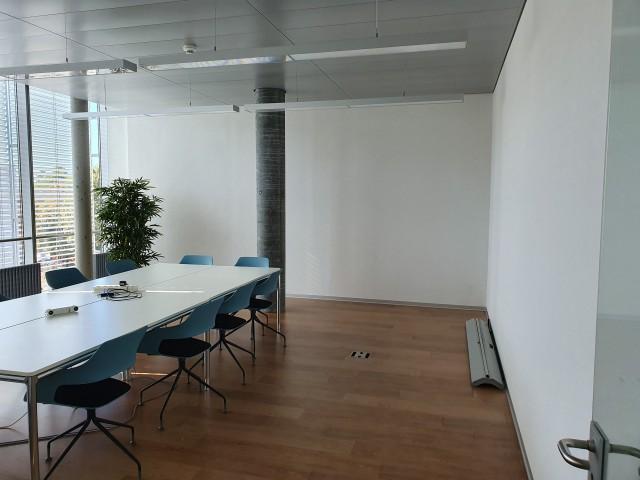 Büroräumlichkeiten im Stade de Suisse 31086841