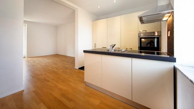 moderne und grosszügige 2 Zimmer-Wohnung mit Balkon 31759383
