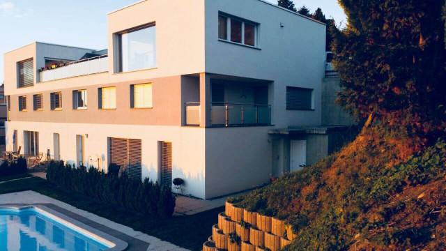 Magnifique villa jumelée avec piscine, à Marly. 21582027