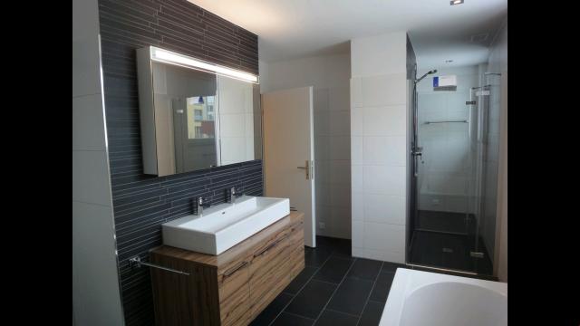 Helle, moderne 4.5-Zimmer-Wohnung an zentraler Lage (Minergi 23635615