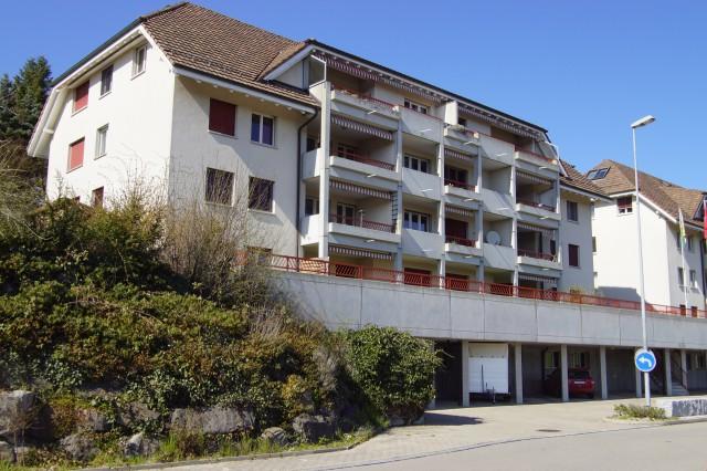 Komfortable 4 1/2-Zimmer-Wohnung mit Südbalkon in Tobel 33276818