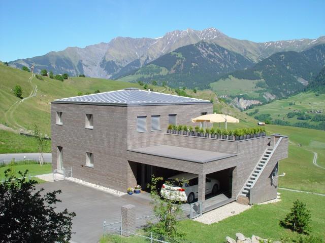 Architektenhaus mit grandioser Aussicht ins Val Lumnezia und 27431361