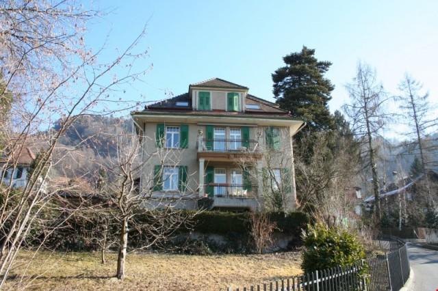 Oberste 3 Zimmer Wohnung von 3 Wohnungen in einem Patrizierh 27889064