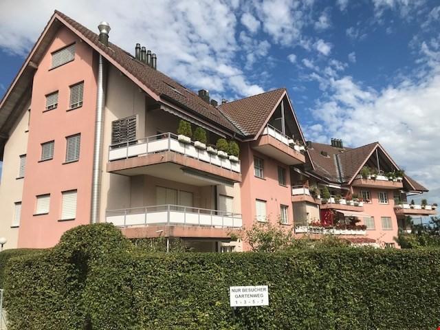 Grosse helle Dachwohnung mit Galerie im Herzen von Münchenbu 26358079